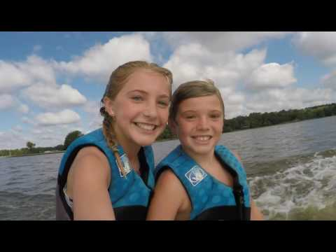 Tandem Wakesurfing! A day at Cedar Creek Lake.