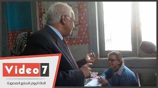 """محافظ القاهرة يتفقد مدرسة السريات ويسأل الطالبات :""""عايزين تطلعوا مدرسين وطالبة: لا"""