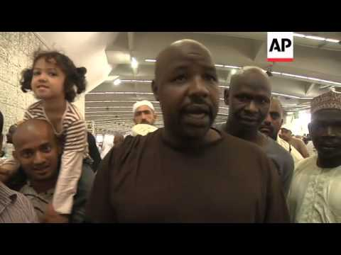 Pilgrims throw stones at annual Hajj pilgrimage