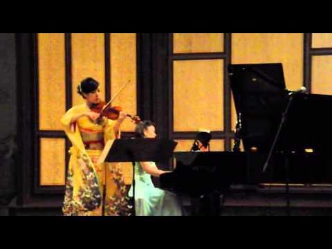 """Ran Matsumoto y Aki Kondo,  """"Recuerdos de la Alhambra"""" en el auditorio de San Francisco, Ávila."""