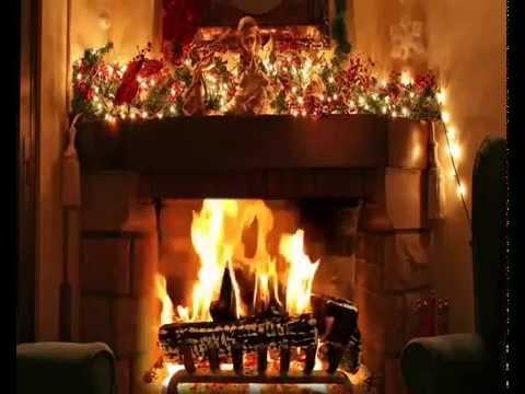 Nejkrasnější vánoční koledy 2014 při hořicím krbu
