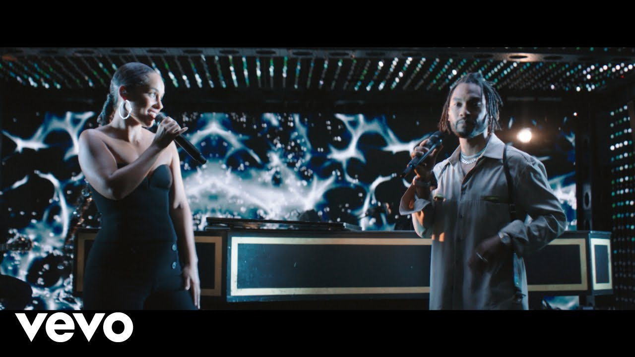 Alicia Keys - Show Me Love (Live) ft. Miguel
