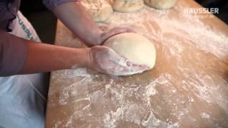 Brot ausformen