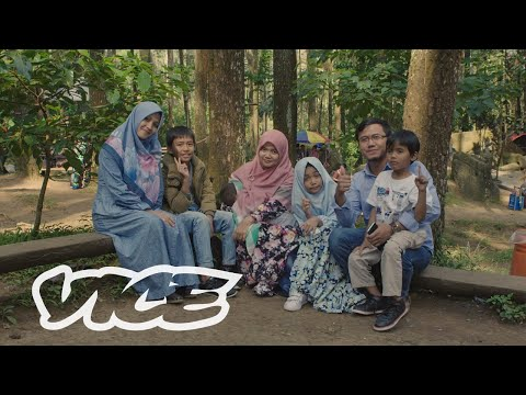 The Controversial Rise of Polygamy in Indonesia