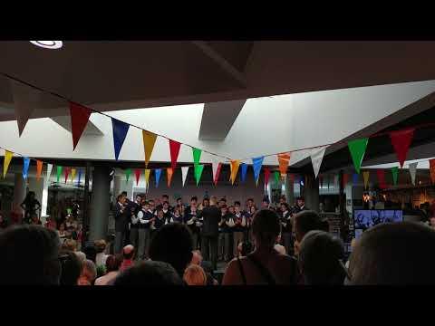 Choir, Dance Me To The End Of Love, Leonard Cohen, Montréal, 1 September 2018