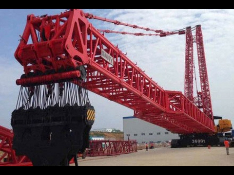 The Largest Crawler Crane In The World