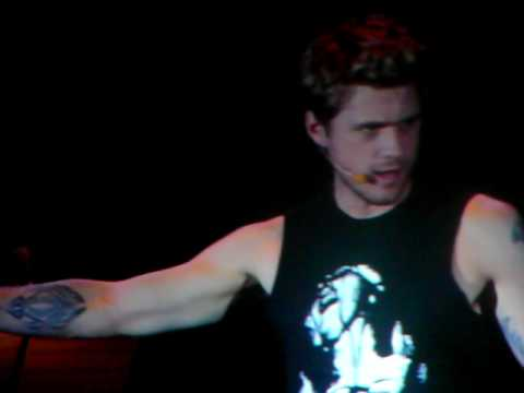 One Song Glory from Rent- Aaron Tveit