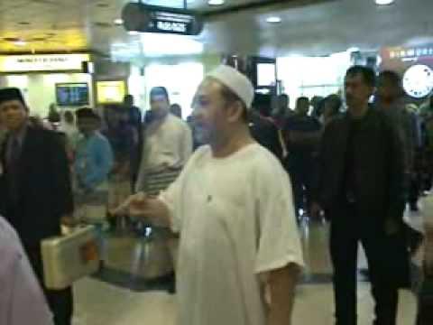 Pemangku Raja Kelantan begitu mesra dengan Rakyat
