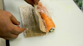 Как готовить роллы и суши. Видео урок №3