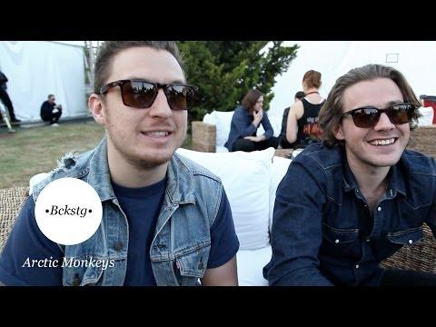 Bckstg con Arctic Monkeys