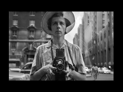 オークションで発掘された15万点の写真。謎の女性写真家をめぐるアートドキュメンタリー