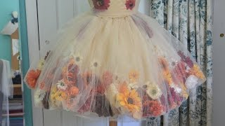 Video Making a Flower Fairy Dress - Part one download MP3, 3GP, MP4, WEBM, AVI, FLV Juli 2018