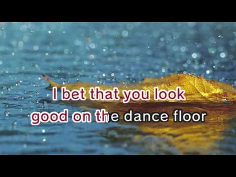 Arctic Monkeys - I Bet You Look Good on The Dancefloor (Karaoke and Lyrics Version)