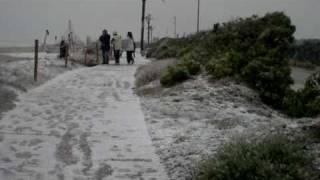 Nieve en la playa del prat.MOV