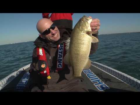 Spoon Feeding Lake Erie Smallmouth Bass - Facts of Fishing Season 6 Episode 7