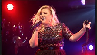 Fox Anchor Fat Shames Kelly Clarkson For His Own Amusement