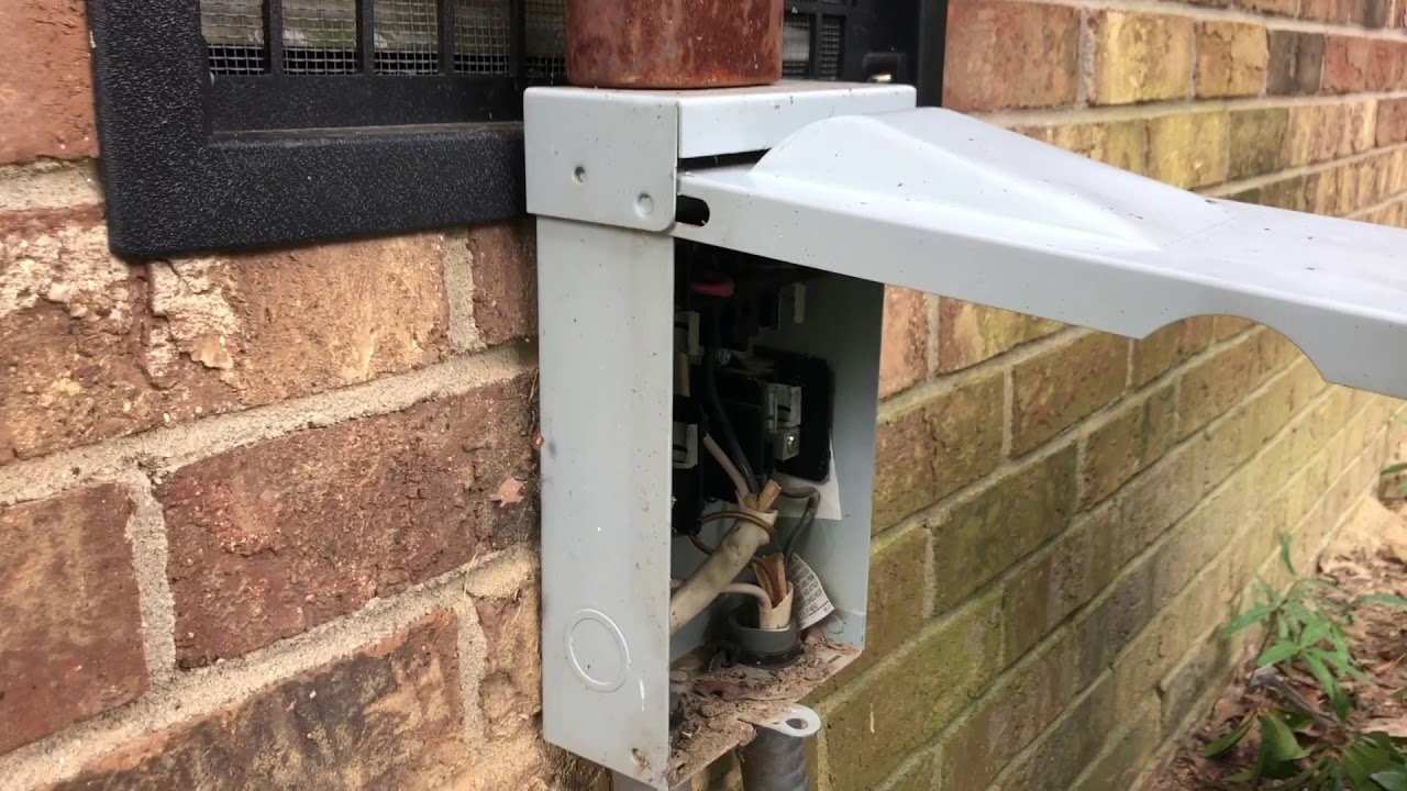 Quick Fuse N Go Bad Outdoor Ac Disconnect And Blown Fuse Youtube