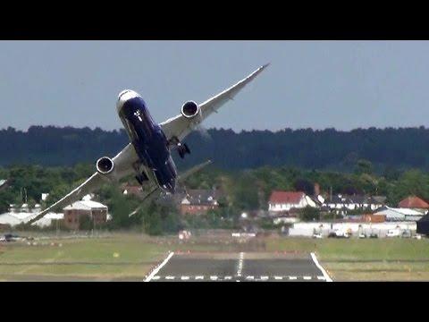 🇺🇸 Impressive New Boeing 787-9 Dreamliner Flying Over Farnborough Airport.