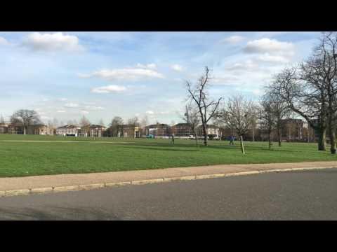 مباشرة من حديقة فانزبيري بارك شمال لندن