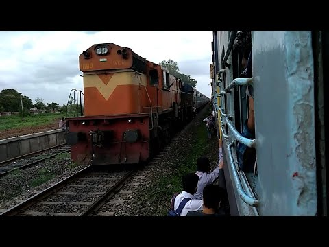Download 17618 NED-CST TAPOVAN EXPRESS CROSS 17617 CST-NED TAPOVAN EXPRESS AT CHIKALTHAN