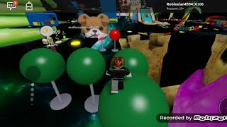 Andra won't let me but I keep filming Roblox with Barboza