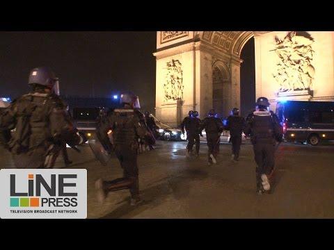 Très violents incidents Champs Elysées Paris PSG (violents incidents foot) / Paris 12 mai 2013
