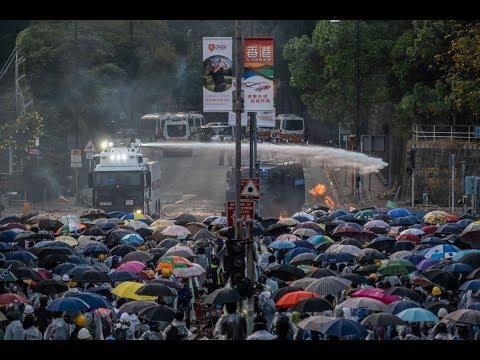《石涛评述》纽约时报:香港基层民选之际 中南海警告全面司法干预