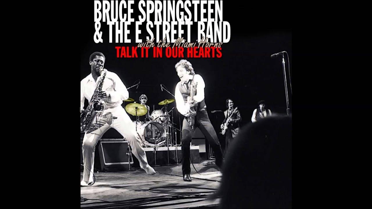 Bruce Springsteen - Backstreets (Civic Auditorium Jacksonville, Florida  04/03/77)