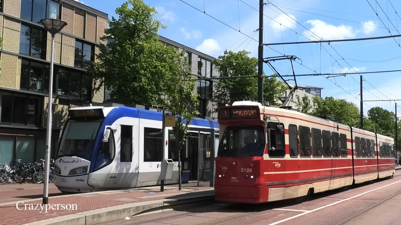 Bikinilijn HTM Tram 1 Scheveningen Vertrekt in Delft