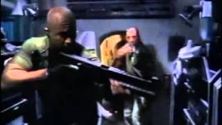Muerte En Las Profundidades (Dark Waters) (Phillip J. Roth, 2003) - Trailer