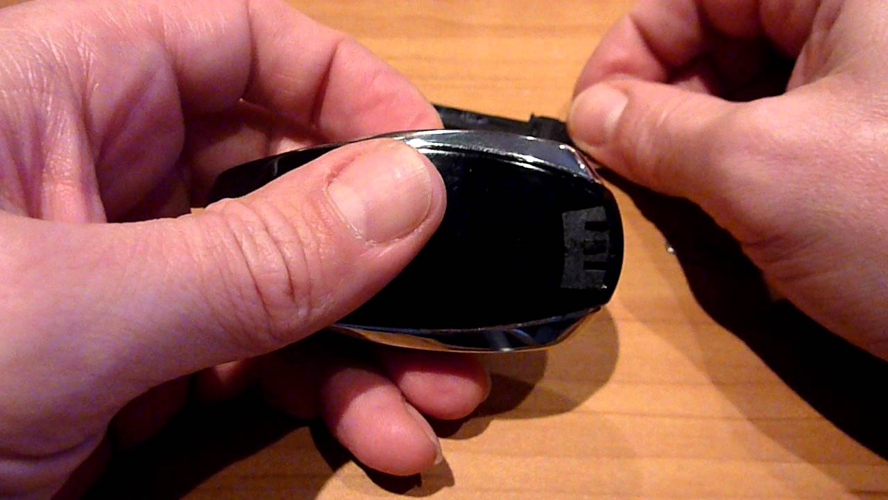Замена батарейки в ключе Туарег NF. Replacing the battery in the key Touareg NF
