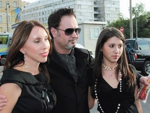 Суд дал Валерию Меладзе два месяца на примирение с супругой