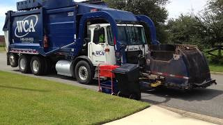 Xe chở rác thu gom rác tại Mỹ