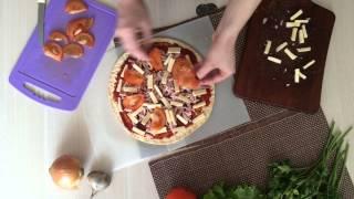 """Итальянская пицца с сыром """"Моцарелла"""" и ветчиной"""