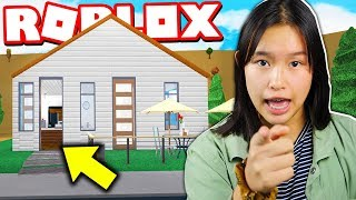 LITTLE SISTER CHALLENGED ME TO A ROBLOX BLOXBURG BUILD OFF!!