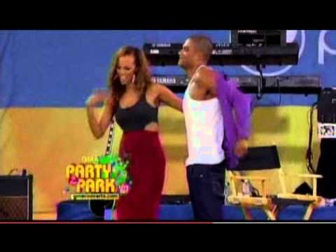 Tyra Banks Strips Younger Top Model Judge    Are They Dating  TooFab Com  2