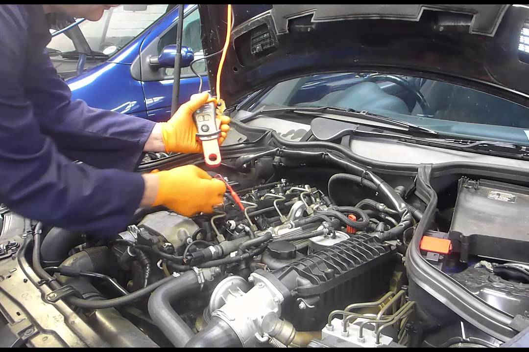 Non-intrusive diesel injector test using Pico 30 A current clamp, and bosch  injector breakout lead