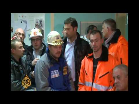 French unions rage at Hollande over Mittal deal