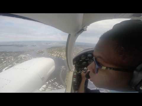 PA34-200 Piper Seneca approach and landing   GoPro HD
