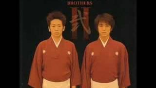 吉田の兄弟による音楽。