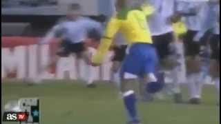 El TOP 5 de los mejores tiros libres de Roberto Carlos