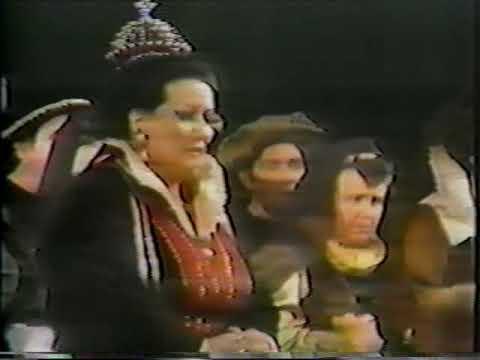 Montserrat Caballé Floats a 21-sec-long Divine Pianissimo above All