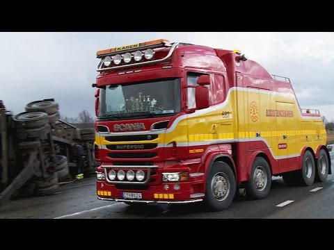 Scania R560 8x4 Heavy Recovery of 4 axle container trailer - Sweden