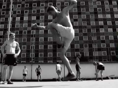 Footbag: DVD Classics: : Prague: The Move by Fabian Kollakowski