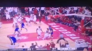Razorbacks upset #13 Kentucky