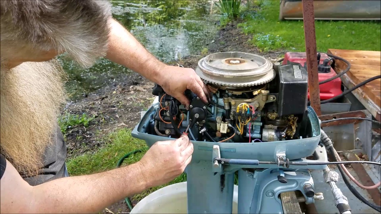 evinrude 35 hp outboard leaking fuel pump replacement [ 1280 x 720 Pixel ]