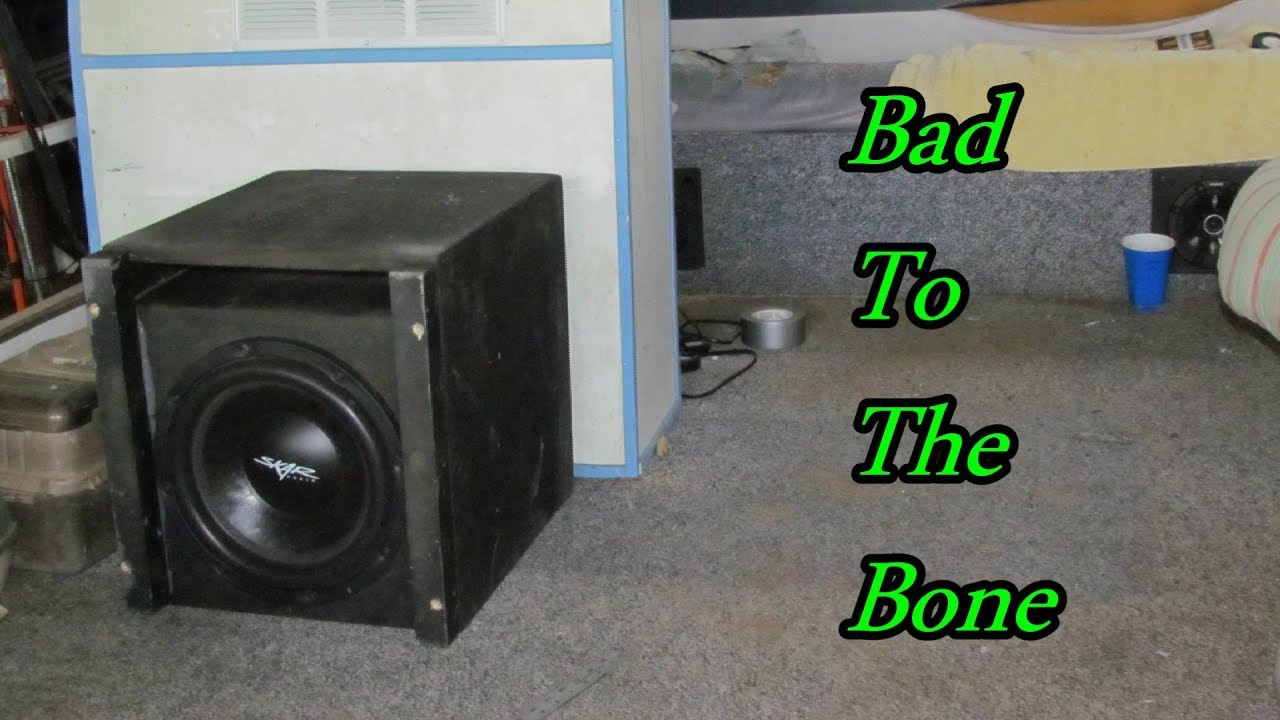 loud audio pontoon boat 2 amplifiers [ 1280 x 720 Pixel ]