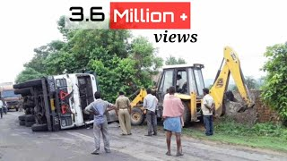 Tata Hyva 2518 Accident Rescue Operation by  JCB Machine ( karunesh kaushal )