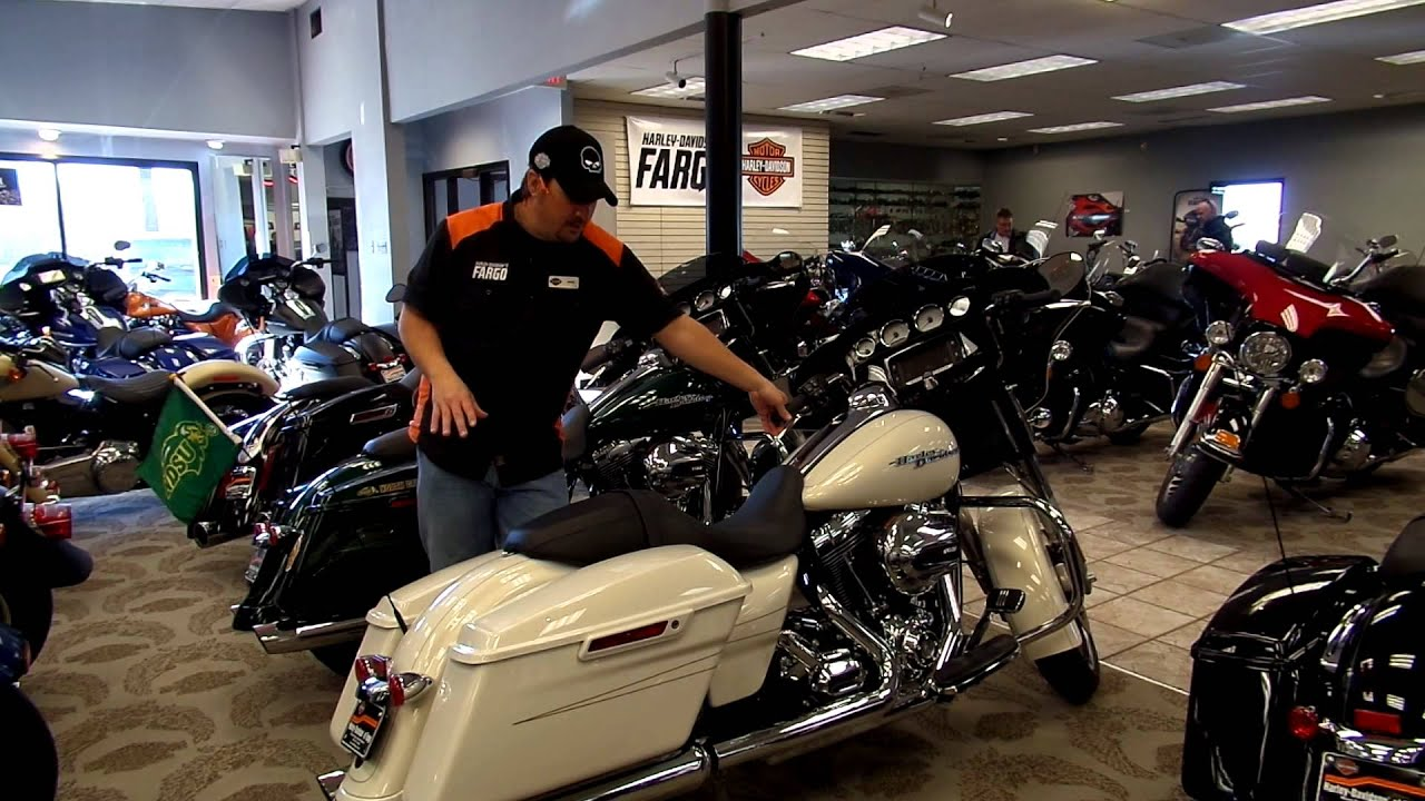 2015 FLHXS STREET GLIDE SPECIAL MOROCCO GOLD AT HARLEY-DAVIDSON OF