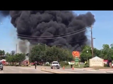 Houston Firefighters Battle Four-Alarm Blaze